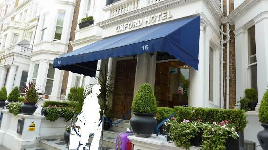 Oxford Hotel London: Hoteleingang