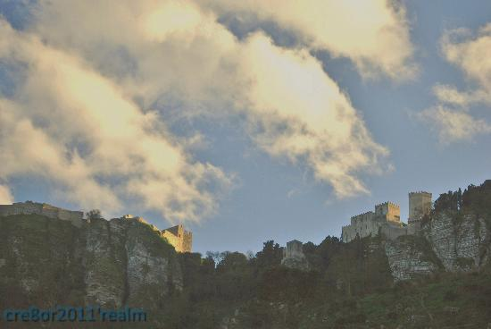 Brezza d'Estate: the neighbouring erice is a must-see