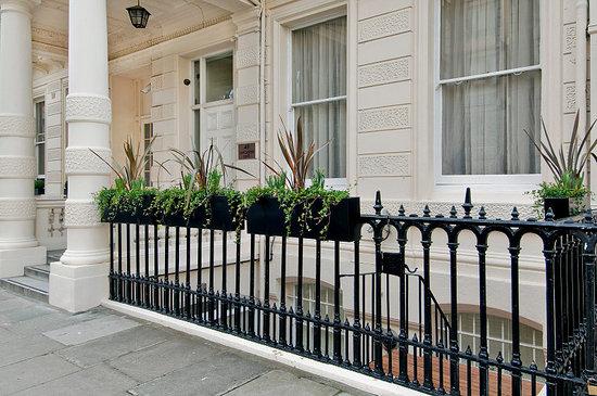 Photo of Lancaster Gate Hyde Park Apartments London