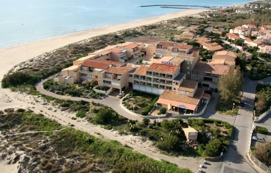 Marseillan Plage, Francia: vue aerienne de l'hotel les dunes bord de mer