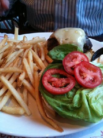 Cheeseburger as advertised.  No more, no less.