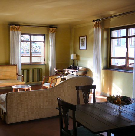 Residenza d'Epoca Via Santo Spirito 6: Apartment Virginia Woolf, sleeps 2+3 (3rd floor)