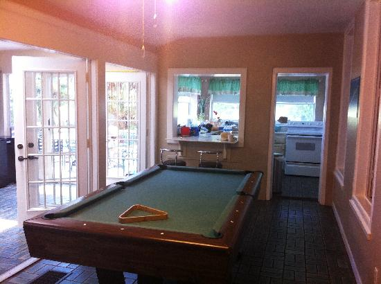 Cedar House: Pool Table