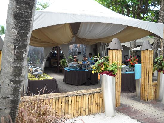 Buccament Bay Resort: The Buffet