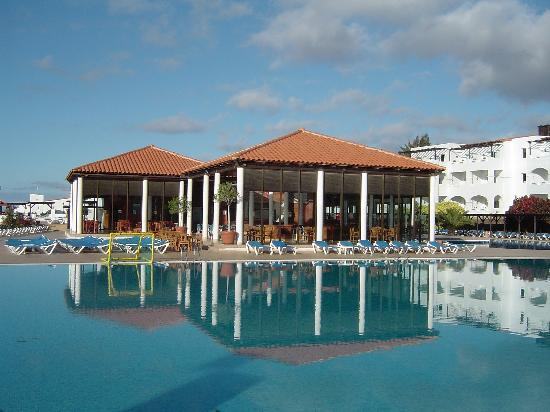 TUI MAGIC LIFE Fuerteventura : Main Pool with Bar and Snack bar