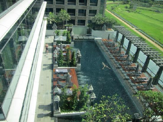 The St. Regis Bangkok: プール