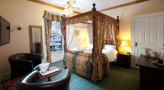 The Willowsmere: Four Poster