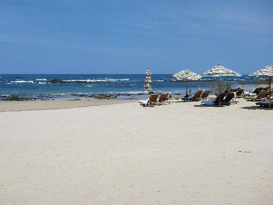 JW Marriott Guanacaste Resort & Spa: beach in front of the hotel