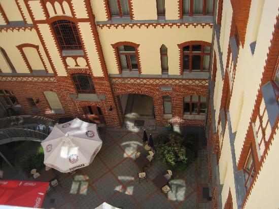 Hotel Augustinenhof: Courtyard view