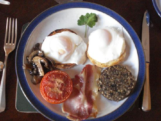 The Pend: Scottish Breakfast