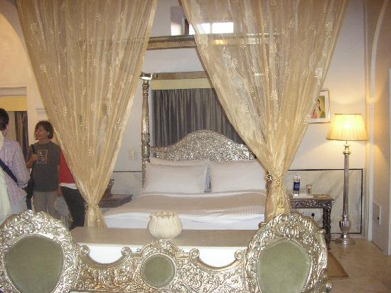 Darbar Hall : guest room