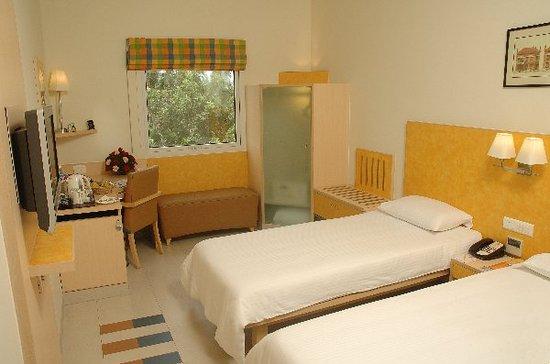 Hometel -  Sarovar Hotel