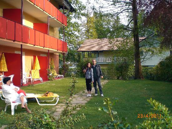 Velden am Woerthersee, Autriche : Giardino camere pt. dx