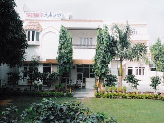 Trehan's Ashiana Hotel