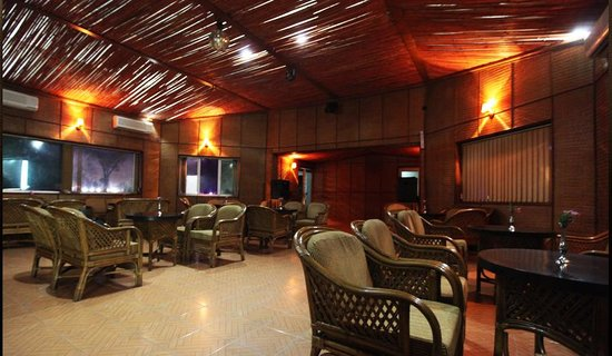 Aapno Ghar Resort: Airport Motel