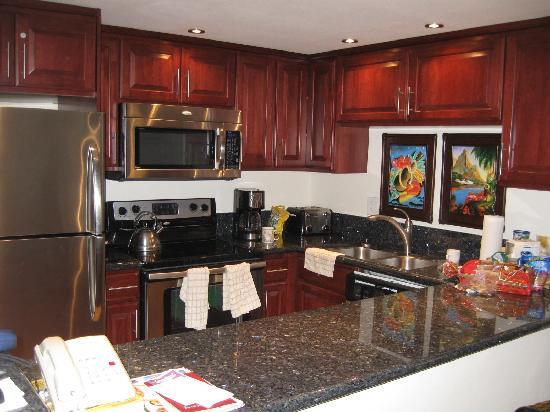 Aston at Papakea Resort: Kitchen in h201