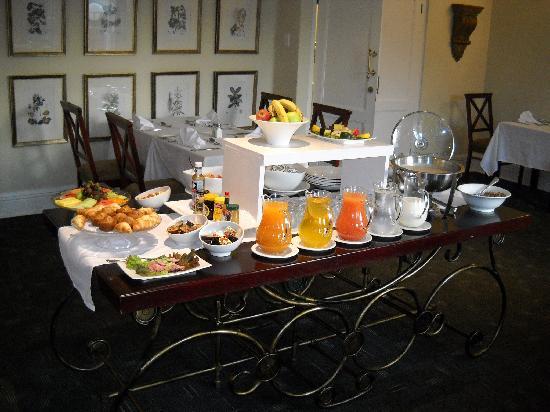 Redlands Hotel and Lodge: Breakfast