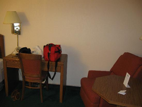 Days Inn Wilmington - Market Street: sitting area