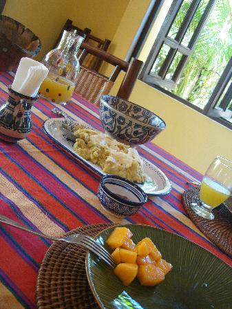 Casa Dorado: Breakfast: Mangu, cheese, salchichon, mango, fresh juice, coffee