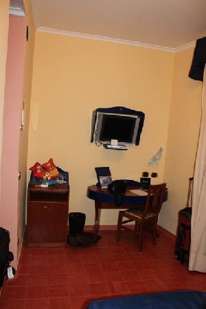Hotel Prestige Sorrento: Our room