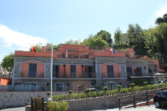 Hotel Prestige Sorrento: Hotel exterior