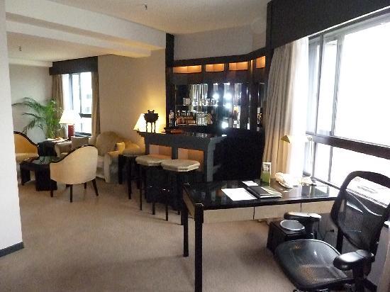 The Landis Taipei : Corner suite from Bedroom