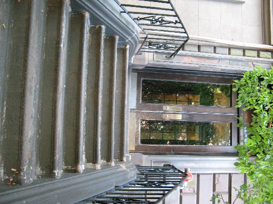 Back Bay Beacon: Run-down entrance to building