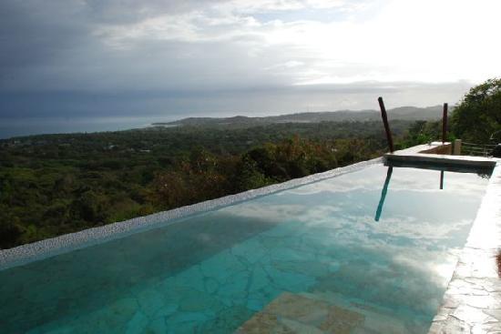 Vieques Villa Gallega A-16-N: infinity pool