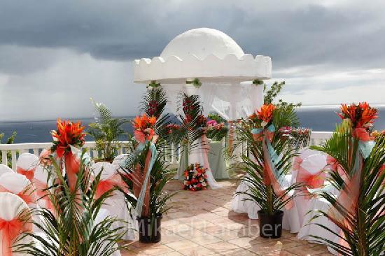 Windjammer Landing Villa Beach Resort: Wedding ceremony