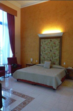 Hotel Telegrafo: Lit confortable