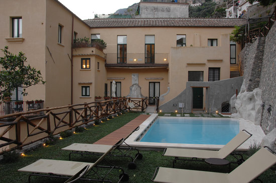 Amalfi Holiday Resort: AHR 1