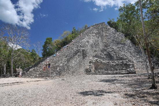 Conciencia Tours & Travel: pyramide de Coba