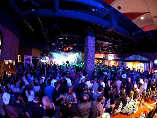 Toby Keith's I Love This Bar & Grill: huge 17,000 sq ft bar!