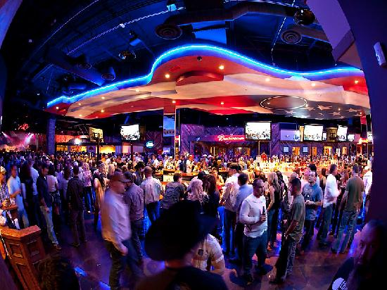 Toby Keith's I Love This Bar & Grill: 85 foot guitar shaped bar