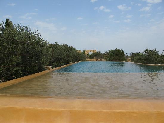 Villa Sicilia Baglio : la piscina del baglio