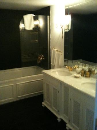 Mio Bianco Resort: bathroom