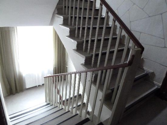 Hotel-Pension Victoria: Treppenhaus