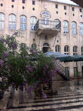 Anadolu Evleri: Hotel exterior