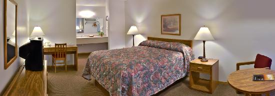 Oregon Trail Motel: Single Queen Guest Room