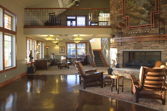 Best Western Plus High Country Inn: Lobby