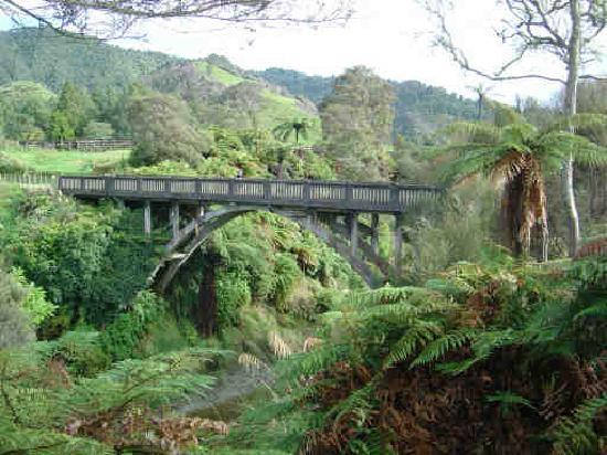 Puente de la nada: Bridge To Somewhere