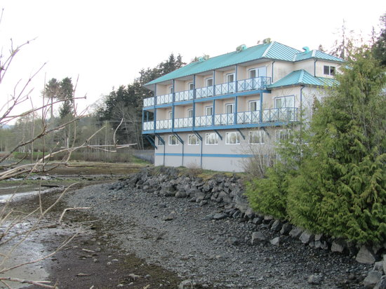 Port Hardy, Kanada: hotel from the back
