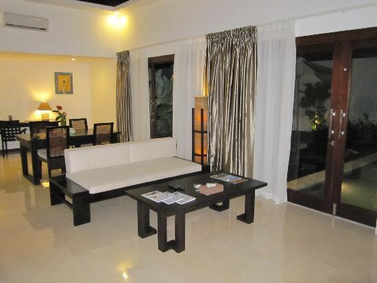 Kebun Villas & Resort: Living area - One Bedroom Villa