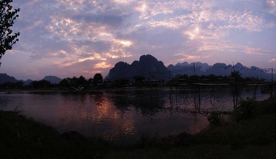 อินทีร่า แวงเวียง: Vang Vieng