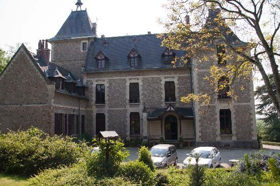 Chambres d'hotes Chateau de Villatte: Chateau De Villette - Front