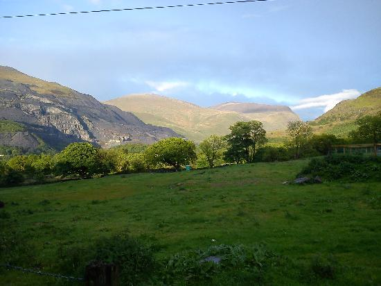YHA Snowdon Llanberis: View 1 from ouside the Hostel