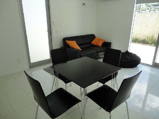 Rongotai Apartments: Spacious lounge and dining