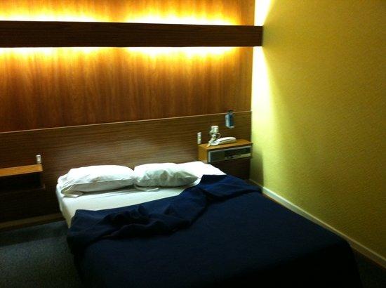 Hotel Bristol : Chambre