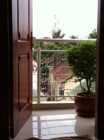 Neth Socheata Hotel: view from balcony - heaven!!