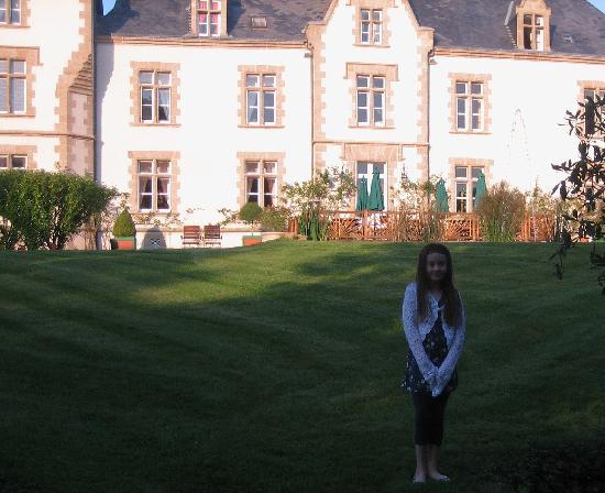 Chateau du Boisniard: Katie in the Chateau grounds